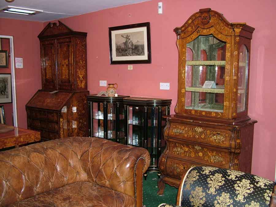 Antique furniture in Essex, Suffolk and Cambridge